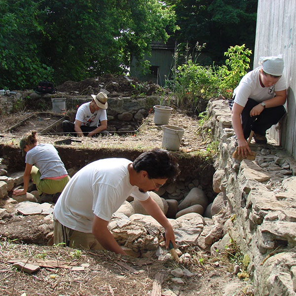Archaeological dig at Macdonell-Williamson House, East Hawkesbury