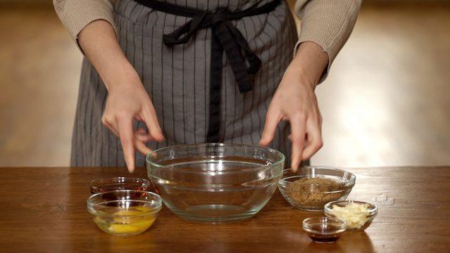 Making butter tarts
