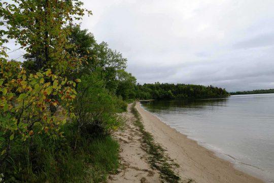 La plage de l'île Great Manitou, en regardant vers l'est