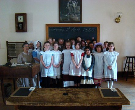 Enoch Turner Schoolhouse, Toronto (school group)