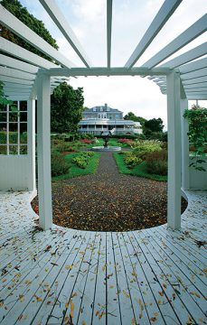 Fulford Place, Brockville (pergola)