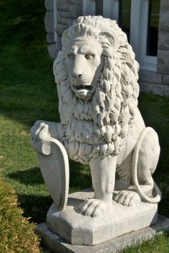 Fulford Place, Brockville (lion)