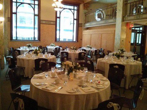 Mariage dans La Galerie au Centre du patrimoine ontarien (Toronto)
