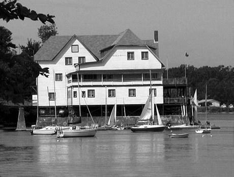 Ottawa New Edinburgh Club Boathouse (ONEC) (Photo courtesy of the ONEC)