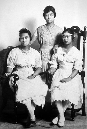 Des tantes de ma famille, vers 1915