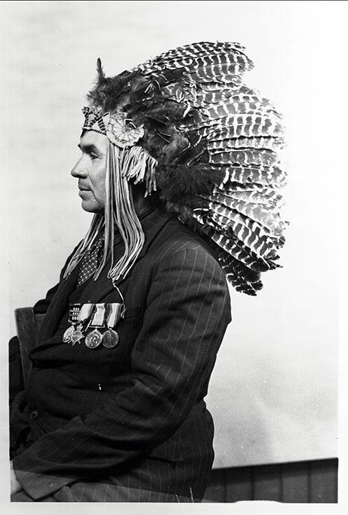 Le chef Francis Pegahmagabow, 1889-1952