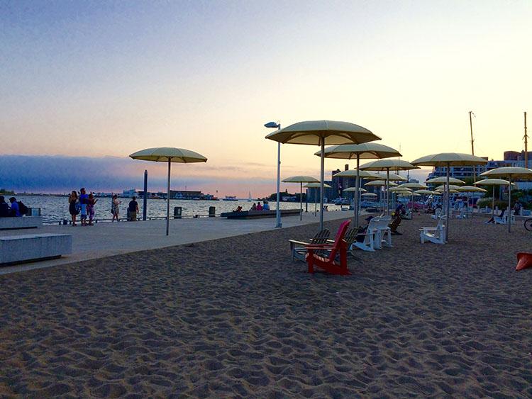 Harbourfront (parapluies)