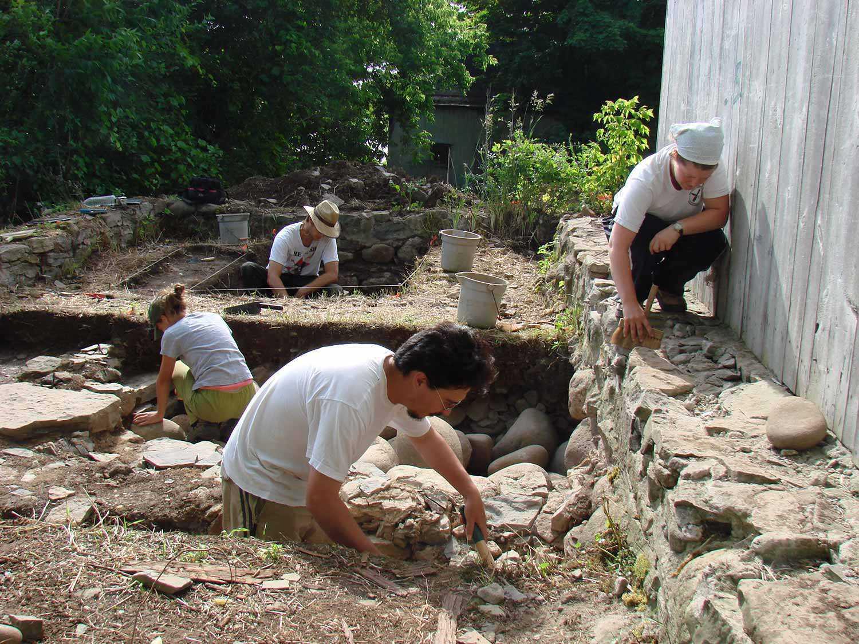 Fouille archéologique à la maison Macdonell-Williamson (Chute-à-Blondeau)