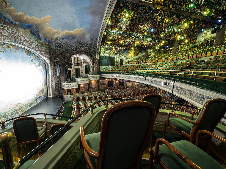 Winter Garden Theatre (Photo: Mark Wolfson)