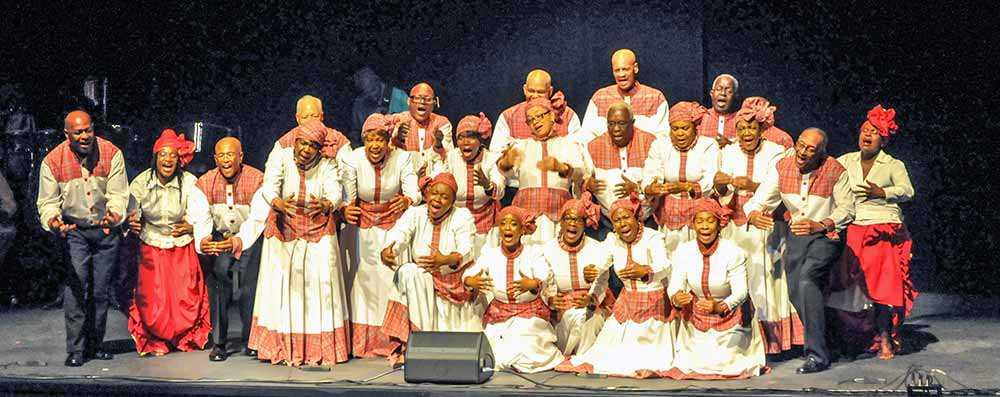 The Heritage Singers (Photo: Maurice Munroe)