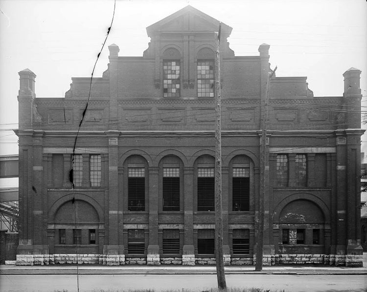 Retort House, before renovations (1922). City of Toronto Archives, Fonds 1034, Item 821