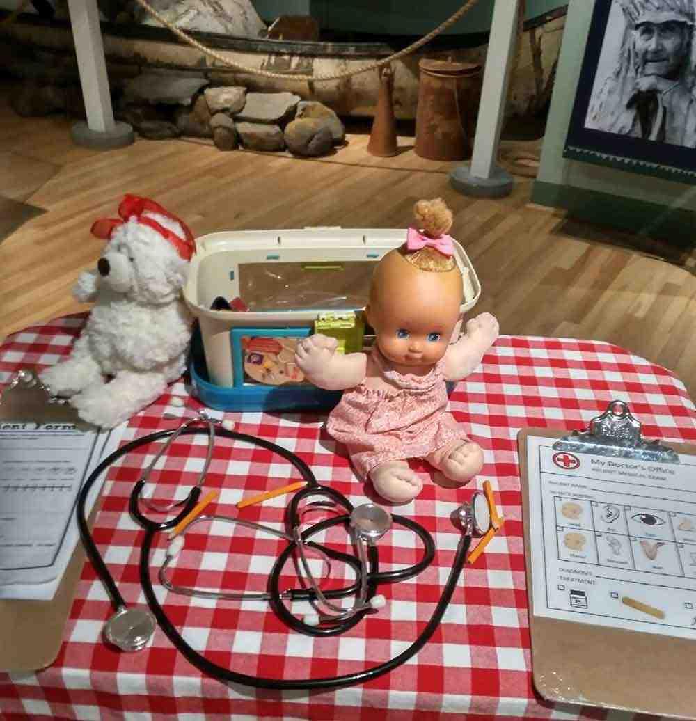 L'hôpital des oursons et des poupées
