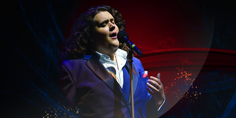 Jonathan Antoine in concert: Behind the curtain